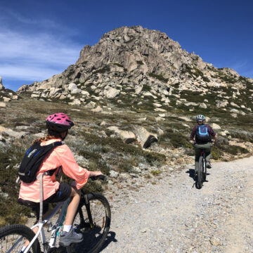 Scouts and Venturers mountain biking the Snowy Mountains